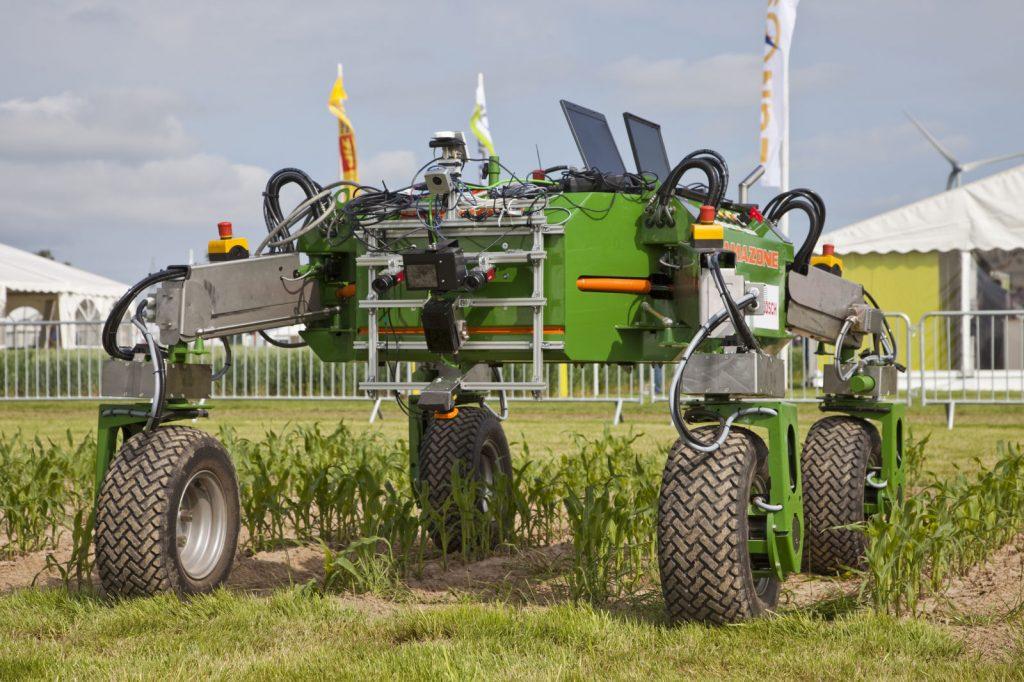 farm-robots-01